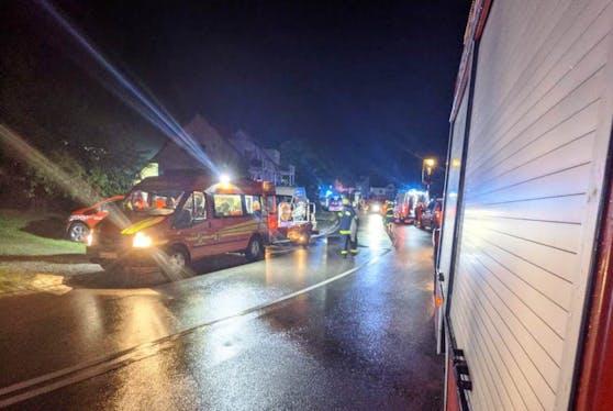 Aufgrund der massiven Überschwemmungen in Rot an der Rot mussten Hochwasserboote angefordert werden, berichtet die Feuerwehr Riedlingen.