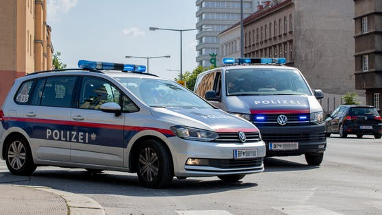 In Saalfelden (S) wurde ein 7-jähriger Bub bei einem Verkehrsunfall schwer verletzt.