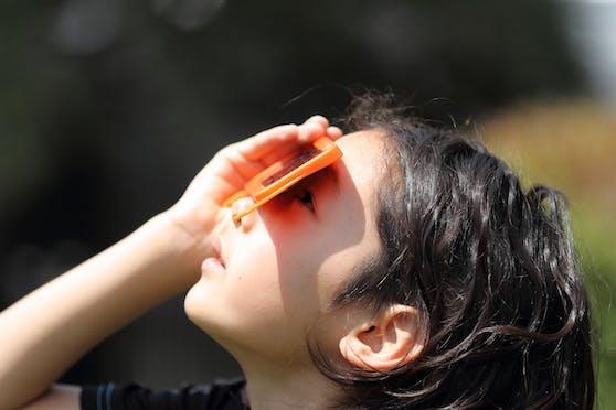 Ohne Augenschutz sollte man nicht in die Sonne schauen.