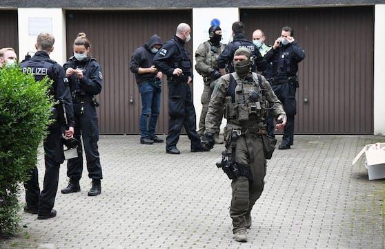 """Razzia im Rahmen der Operation """"Trojan Shield"""" in Essen, Nordrhein-Westfalen, am 7. Juni 2021."""