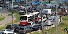 Unfall in Wien-Favoriten legt Verkehr komplett lahm