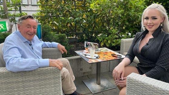 """Lugner und Lydia bei ihrer vom Sender """"ATV"""" arrangierten Aussprache"""