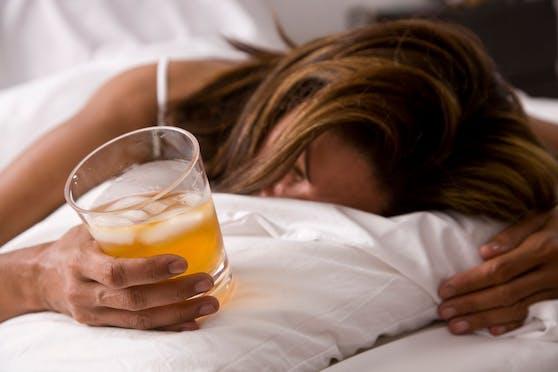Die 28-jährige Mia Flynn wird zukünftig wohl dem Alkohol abschwören.