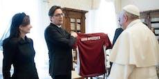 Nach Papst-Besuch tauscht ÖFB-Gegner das EM-Trikot