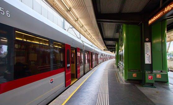 Im Mordfall Leonie gab es in der Nacht auf Donnerstag eine weitere Festnahme. Die Handschellen klickten in einer U-Bahn-Station.