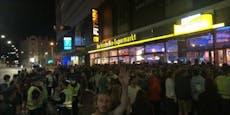 Hunderte Partywütige stehen für U4-Comeback Schlange