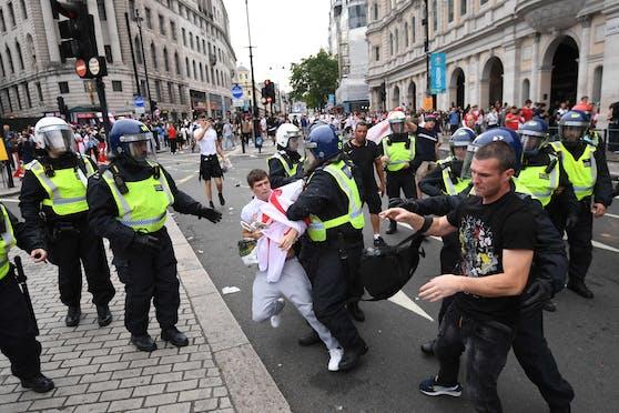 Die Polizei verhaftete 49 Personen in London.