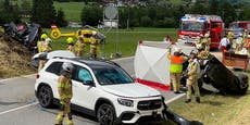 Toter bei Verkehrsunfall mit drei Autos in Tirol