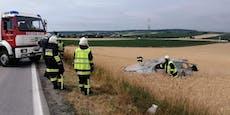 Lenker (45) nach Pkw-Salto schwer verletzt