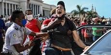 """Kuba-Protest: """"Nieder mit den kommunistischen Hunden"""""""