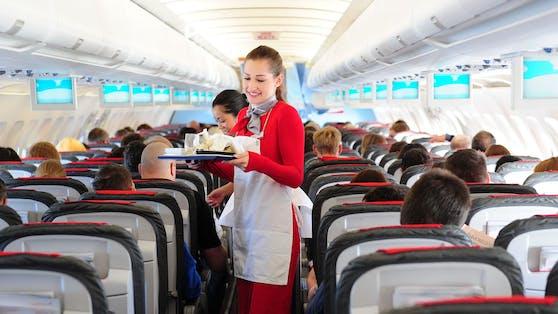 """An Board der Austrian Airlines verzichtet man künftig auf """"Damen und Herren""""."""