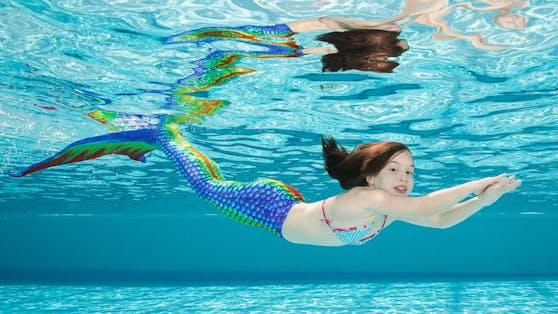 Auf den Spuren von Arielle: Kids können in Linz lernen, wie man sich im Wasser wie eine Meerjungfrau bewegt.