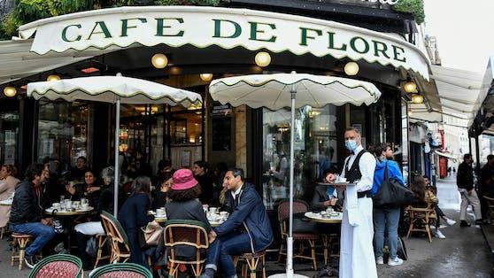 In Cafés wird ab August in Frankreich ein Gesundheitsnachweis verlangt.