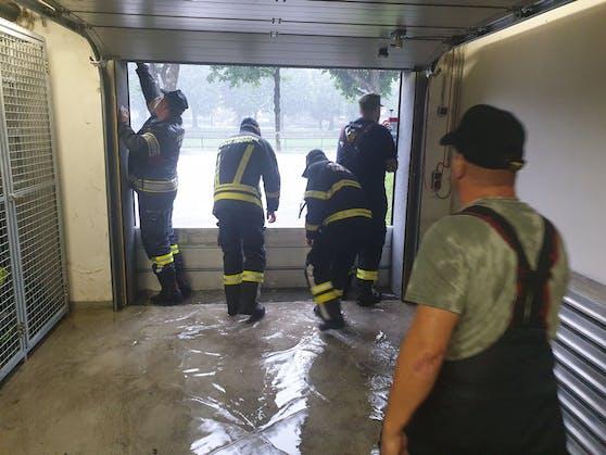 In Bad Ischl wurde der Keller des Feuerwehrhauses überflutet.