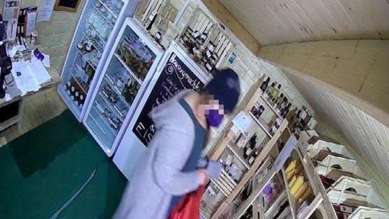 Im Selbstbedienungsladen von Familie Sneditz bediente sich eine Wienerin selbst – ohne zu zahlen. Jetzt stellte sie sich der Polizei.