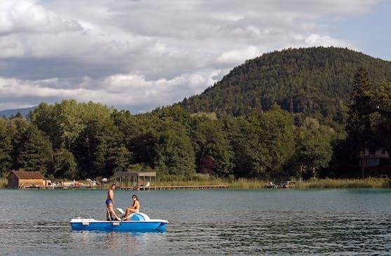 Tretbootfahrer am Wörthersee. Symbolbild