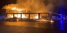 Feuerwehr ließ Hofer-Filiale niederbrennen