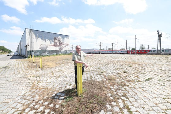 Entlang der Felberstraße (Rudolfsheim-Fünfhaus) will Bezirksvorsteher Gerhard Zatlokal (SPÖ) ab August einen Pop-Up Park eröffnen.