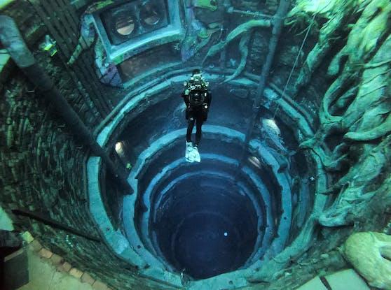 "Im ""Deep Dive Dubai""-Pool geht es 60 Meter tief nach unten."