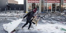 72 Tote: Unruhen & Plünderungen in Südafrika eskalieren