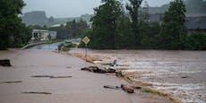 Unwetter lässt Häuser einstürzen, 33 Menschen tot