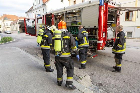 Brand in Justizanstalt: Feuerwehr im Einsatz