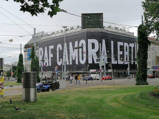 Raf Camora Plakat neben dem Westbahnhof