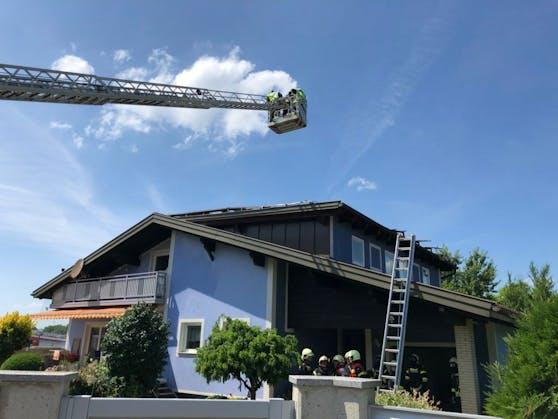 Die Feuerwehr löschte den Brand.