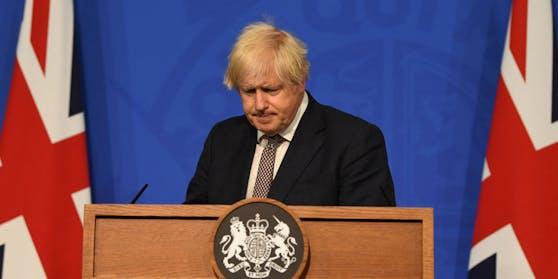 Schon am 5. Juli gab Boris Johnson die Lockerungen bekannt, kündigte aber eine weitere Prüfung an