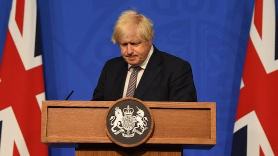 Die Corona-Impfkampagne habe die Verbindung zwischen Neuinfektionen und Todesfällen deutlich geschwächt, sagt der britische Premier Johnson.