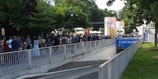 Migranten bremsen Impfungen am Wiener Rathausplatz aus