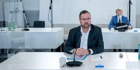 FPÖ-Hafenecker im Ausschuss