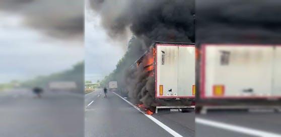 Auf der Innkreis-Autobahn brannte am Montag ein Lkw.