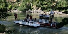 Feuerwehr angelt Motorboot in Seenot aus Donaukanal