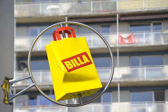 Billa-Sackerl als Logo über einer Supermarkt-Filiale. Symbolbild
