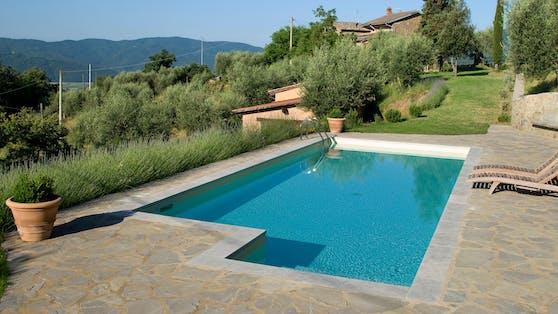 In der Nähe von Palermo hat sich im Pool einer Familie ein tragischer Unfall ereignet (Symbolfoto)