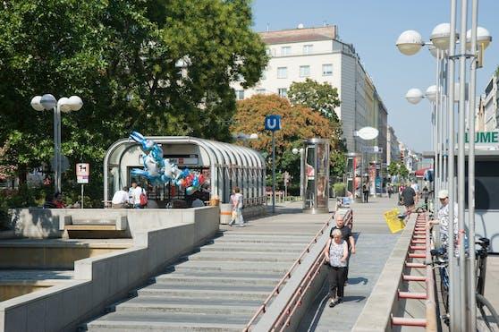 Fußgängerzone Favoriten mit U-Bahn-Station Keplerplatz. Symbolbild