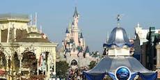 Disneyland verbietet Mutter (33) das Stillen
