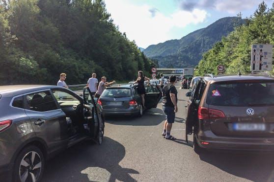Auch im heurigen Sommerreiseverkehr drohen vor dem Karawankentunnel (A11) an der Grenze zu Slowenien riesige Staus. (Archivbild)
