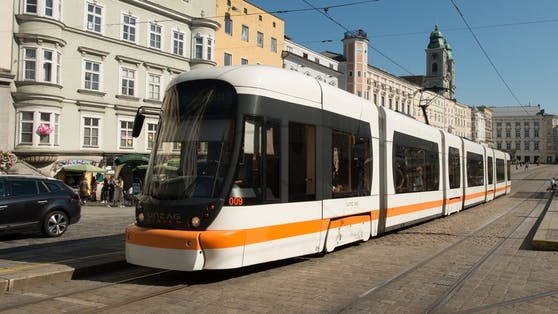 Zwei Wochen lang gilt die Sommeraktion der Linz AG Linien gemeinsam mit fünf weiteren städtischen Verkehrsbetrieben.