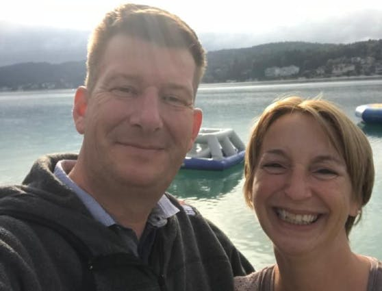 Beim Buchen verklickt: Christian G. mit Frau Johanna
