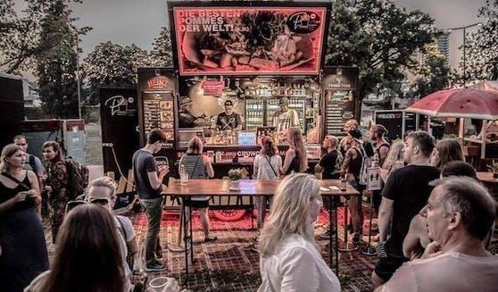 Der PommesLaden on Tour macht Station am Donaustrand bei der Urfahrei mit den besten Pommes der Welt.
